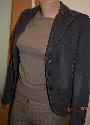Пиджак приталенный черного цвета
