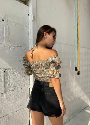 Крутые кроп-блузки в цветочек2 фото