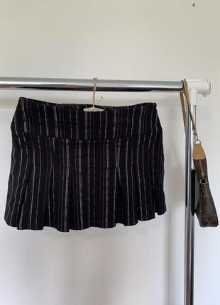 Полосатая мини юбка. короткая чёрная юбка в стиле школьницы urban outfitters2 фото