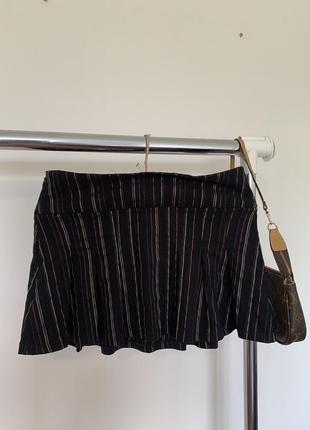 Полосатая мини юбка. короткая чёрная юбка в стиле школьницы urban outfitters3 фото