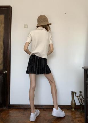Полосатая мини юбка. короткая чёрная юбка в стиле школьницы urban outfitters9 фото