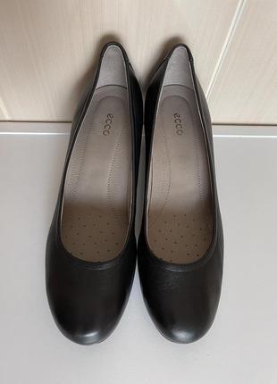 Шикарные кожаные туфли ecco