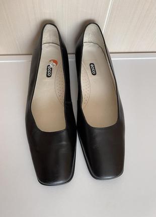 Кожаные туфли с квадратным мысом ecco