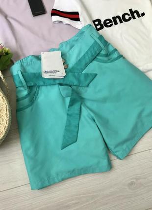 Новые крутые шорты нереального цвета sunflair, размер 18