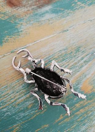 Стильная брошь жук олень5 фото