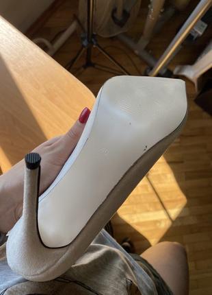 Замшевые туфли-лодочки на высоком каблуке4 фото