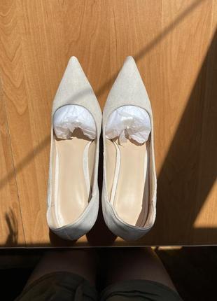 Замшевые туфли-лодочки на высоком каблуке5 фото