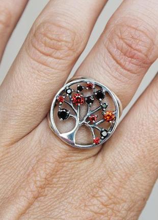 Серебряное кольцо эдита черн-красн р.17,5