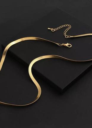 Ожерелье-чокер flashbuy, колье золотистого цвета с металлической плоской цепочкой в елочку1 фото