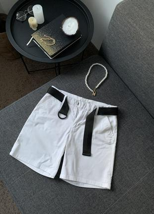 Білі шорти1 фото