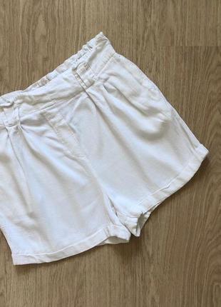Белые молочные шорты new look  размер 12