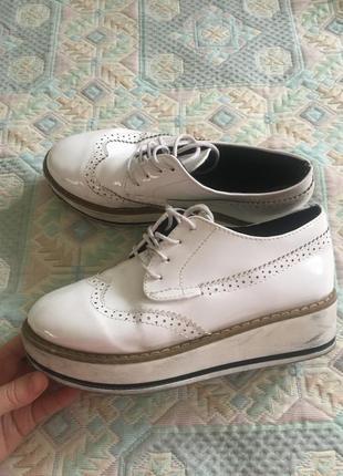 Туфли лофферы на платформе