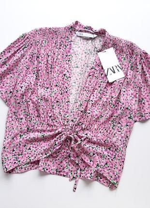 Блуза трендова в принт квіти zara