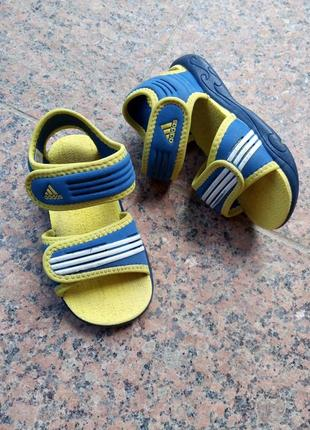Сандалі босоніжки сандали босоножки adidas 909530 розмір 23(15см) оригінал