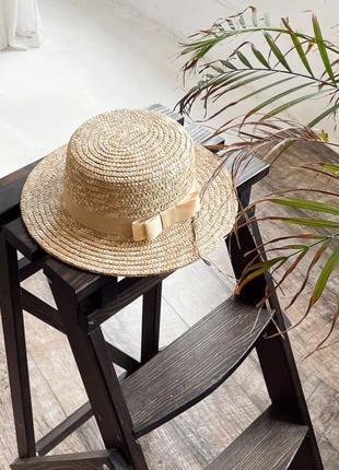 Плетёная шляпа канотье с лентой