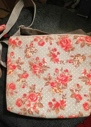 Летняя тканевая сумочка розы