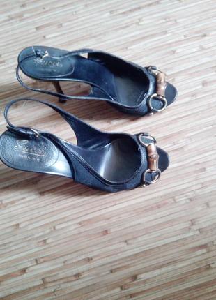 Культовые босоножки,туфли  gucci италия
