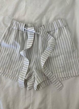 Белые шорты в полоску полосатые  білі шорти шортики