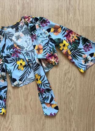 Блуза летняя голубая легкая вискозная в цветочный принт на завязке primark  размер 6 (xs)