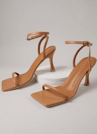 Босоножки на каблуке shein