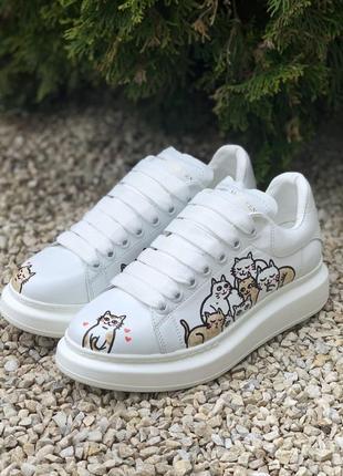 Кросівки alexander mcqueen oversized white/cat білі з котами