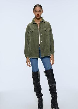 Вельветовая рубашка джисовка zara, зелёная куртка