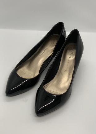 Маленькие туфли лодочки