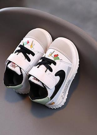Стильные красивые кроссовки для малышей китай