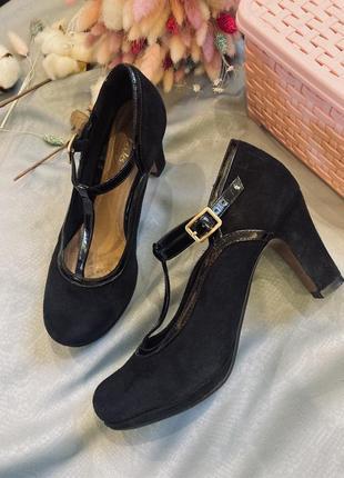 Туфли clarks кожа замша, туфли с т образным ремешком, замшевые туфли, туфли на низком каблуке