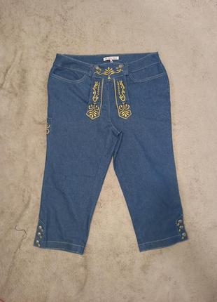 Женские стрейчевые шорты бриджи джинсовые с вышивкой