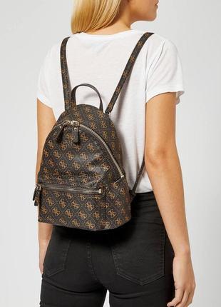 Классный оригинальный рюкзак guess