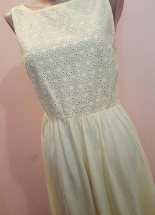 Легкое и нежное платье.