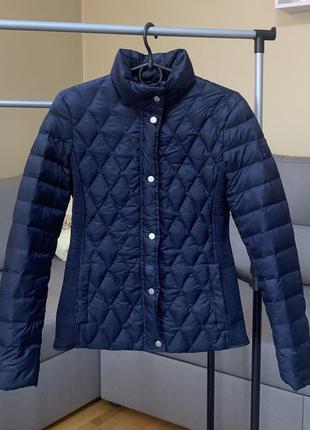 Стильная, брендовая куртка пуховик tommy hilfiger демисезонная