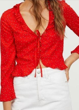 Красная летняя блуза в мелкий горошек h&m