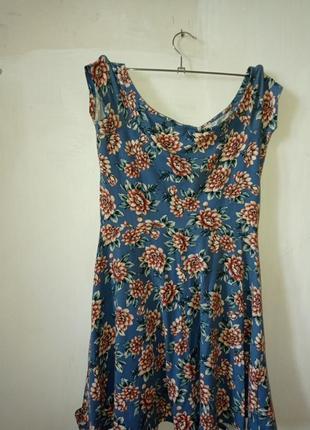 Летнее короткое приталенное платье bershka трикотаж с короткими рукавами