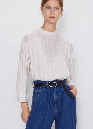 Бежевая блуза zara с вышивкой с примесью льна свободный крой