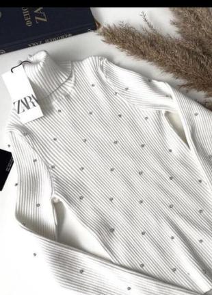 Zara гольф светер водолазка в камнях стрази