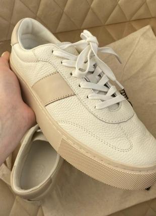 Кожаные светлые кеды кроссовки, оригинал💛