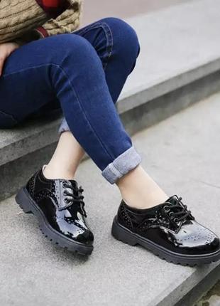 Туфли чёрные лакированные детские