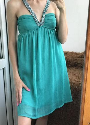 Платье мятное с бисером