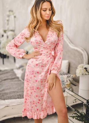 Нежное цветочное платье на запах