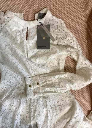Платье брендовое кружевное гипюровое белое с пышной юбкой свадебное платье до колена кружевное с золотыми пуговицами