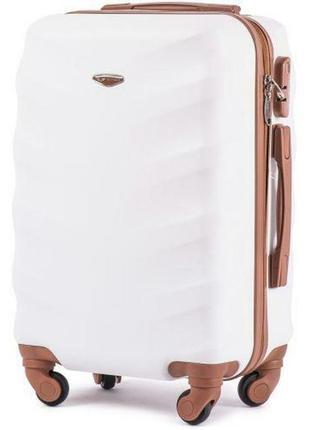 Чемодан дорожный (дорожная сумка) пластиковый на 4 колёсах большой 402 l wings ( белый / white )