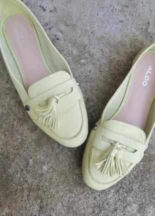 Роскошные кожаные туфли с китицами