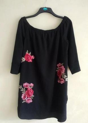 Cameo rose платье с вышивкой 16 р.