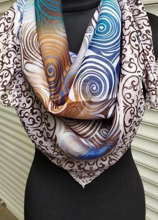 Легкий разноцветный платок