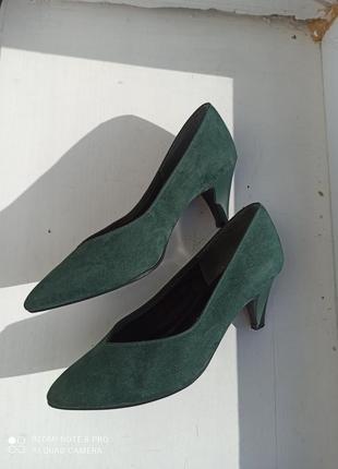 Туфли на низком каблуке от jacques michel