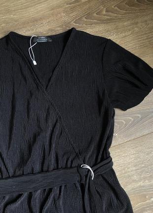 Женское черное платье bershka