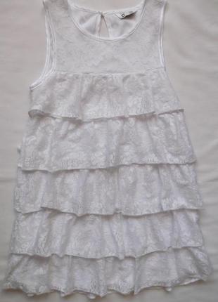 Белое нарядное кружевное платье cubus