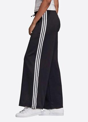 Широкие штаны палаццо клеш черные
